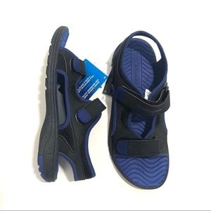 CHAMPION Boy's 4 Blue Black Sporty Sandals NWT